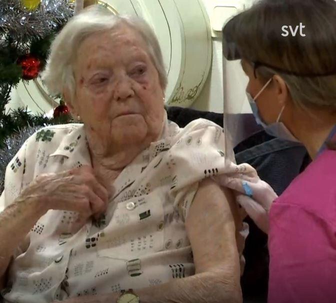 Gun-Britt, 91, blev först i Sverige att få vaccinet