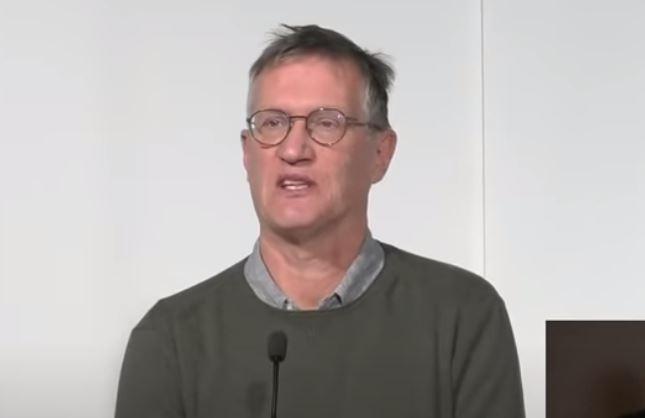Anders Tegnell lovar besked om Astra Zenecas vaccin