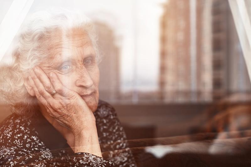 Tusentals bortskrämda från äldreomsorgen