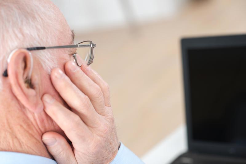 Vänta inte med att behandla hörselnedsättning