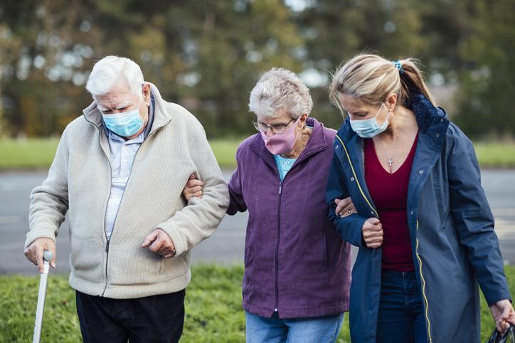 Högt pris när pandemin tvingar anhöriga göra mer