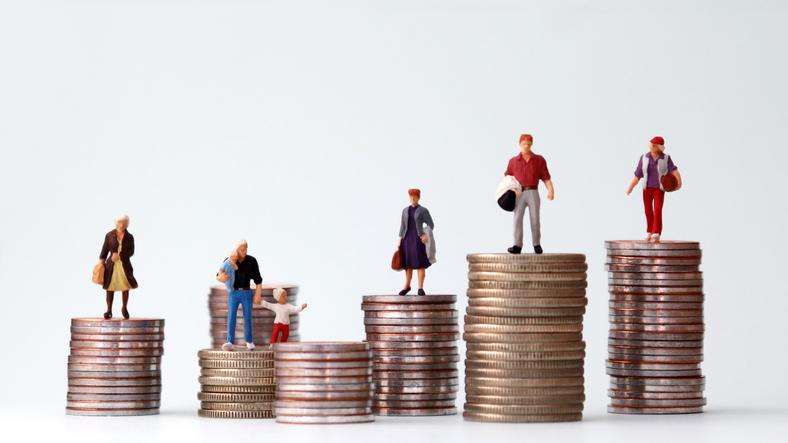 Hård duell om syn på pensioner