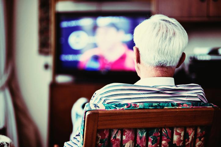 Äldre görs osynliga i medier