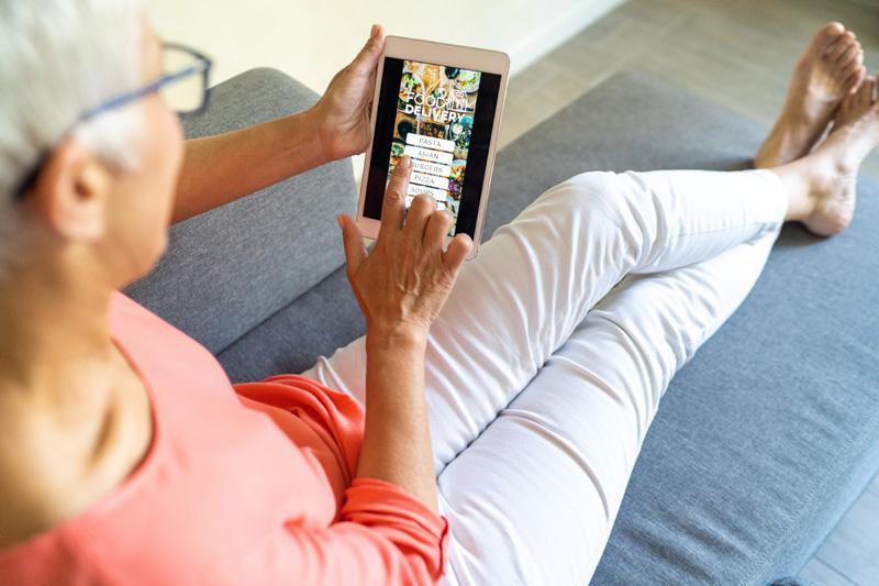 Hälften av alla seniorer mer digitala under pandemin