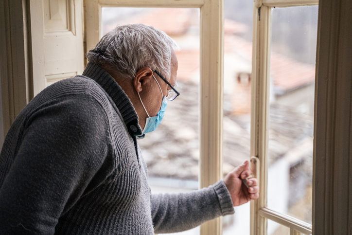 Nya krav på tredje dos till äldre efter flera dödsfall